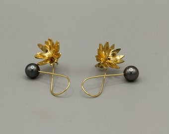 Flower earrings, gray cultured pearls, silver and gold gilding