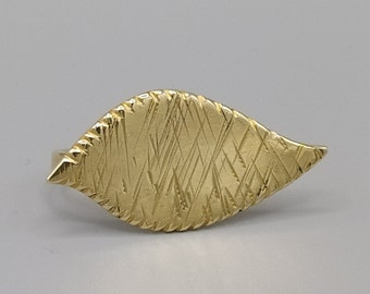 Brass foliage ring