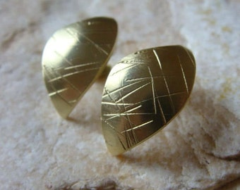 Pair of brass earrings, leaves motif, gilded with fine gold 8 carat