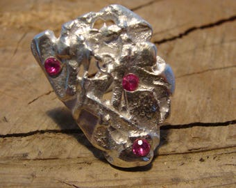 Solid silver sculpture ring, pink stones