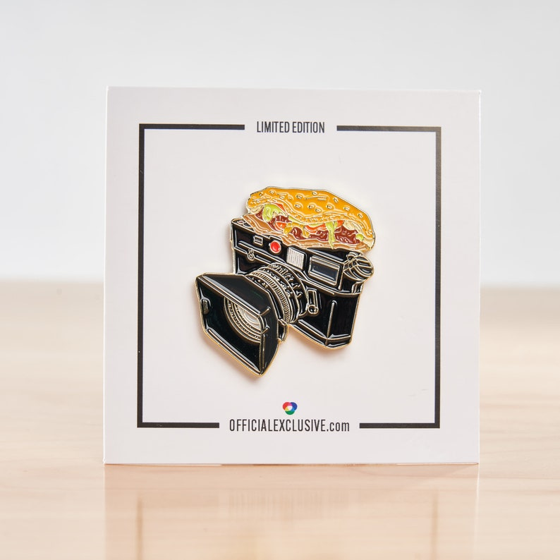A great gift for the rangefinder fashion or wedding photographer in your life. Burger on Leica M6 Film Camera Enamel Lapel Pin gold plated