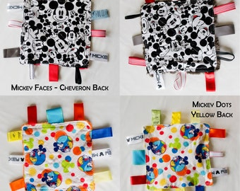 Crinkly Tag Toy / Baby Sensory Toy