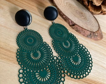 Morgane - Long green forest and leather earrings
