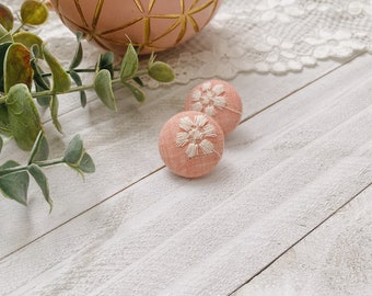 Flower Awakening - Fleas in pale pink fabrics embroidered white flower