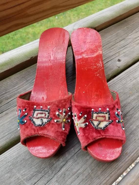 1940s carved wooden souvenir heels wedges