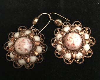 Vintage Ornate Flower Shaped Earrings Retro Jewelry Bronze tone with Pink  White Beads