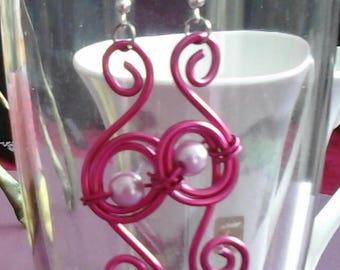 Spiralia has fuchsia (purple pearls 6 mm) 2mm aluminum wire