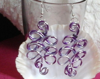 Earrings interlacing 2 engraved aluminum 2mm light lilac and purple lilac 2 threads