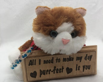 Valentine Kitten with Bracelet/Sign