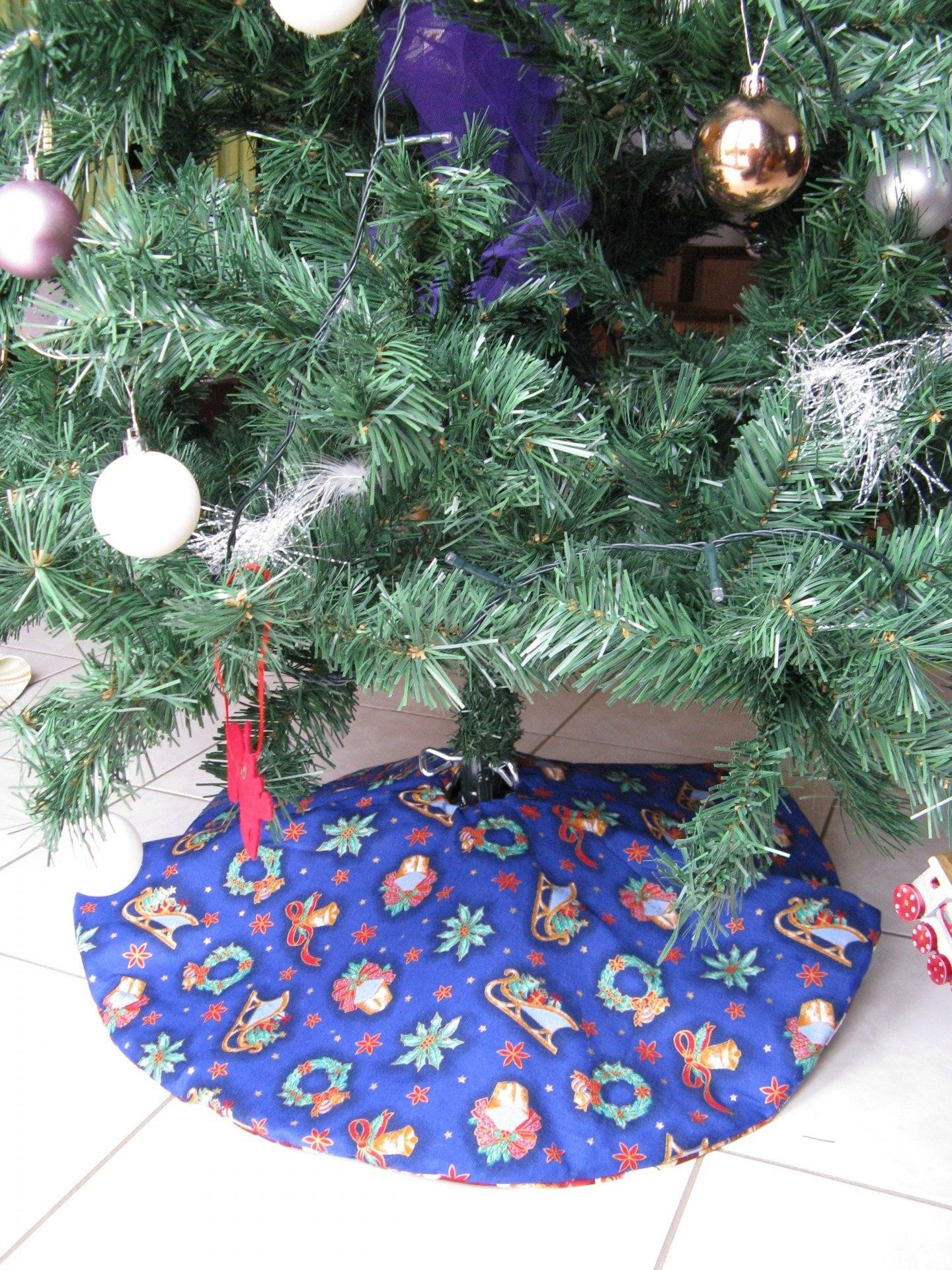 jupe de sapin d coration r versible couvre pied de sapin cache pied de sapin christmas. Black Bedroom Furniture Sets. Home Design Ideas
