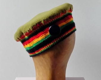Fleece beret and crochet yarn