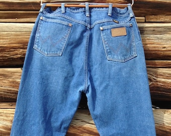 96a4d58a Wrangler High Waist Rodeo Cowboy Cut 13MWZ Jeans Size 35 x 37/Mom Jeans/Soft  & Worn/Medium Faded/Authentic Vintage/Made in USA