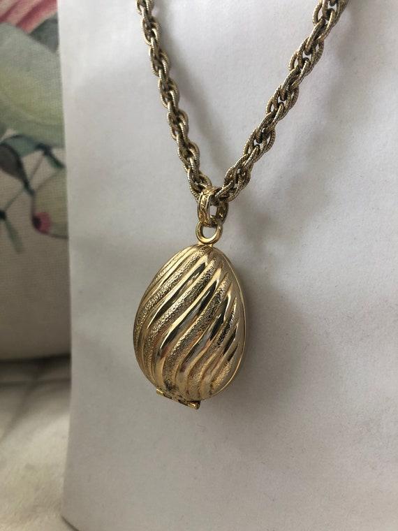 Vintage Avon Locket & Bracelet, Golden Charmer, Pe