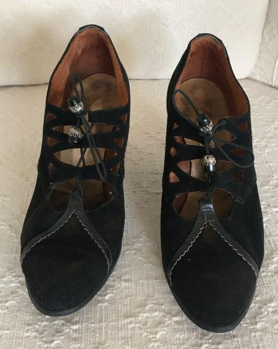 1930s lace up black suede shoes