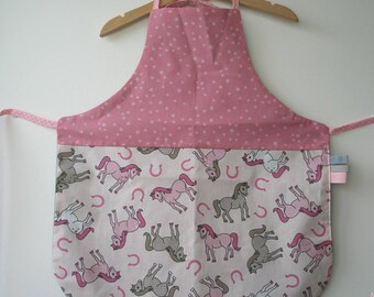 """horse and Star"" girl apron"