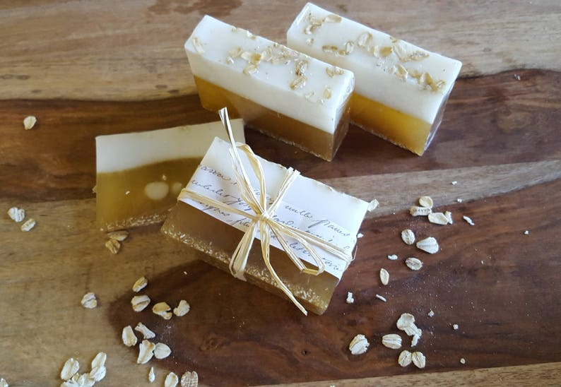 Honey Oatmeal in Goatsmilk bath bar image 0