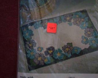 Vintage Aunt Lydia's rug kit
