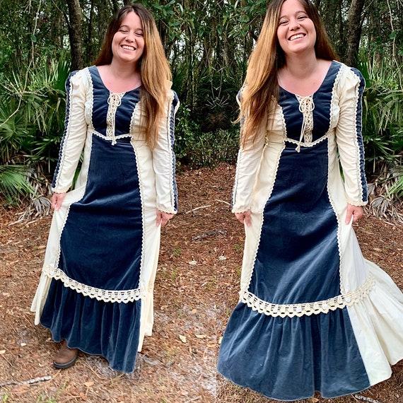 Velvet Gunne Sax Maxi Lace-up Dress