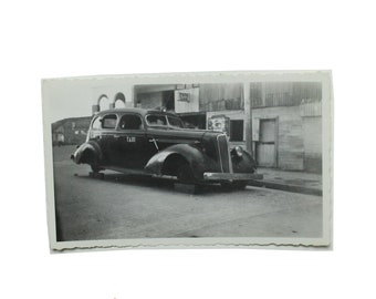 1945 Car Photo in Buenaventura, Columbia.  Taxi.