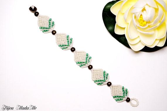 f927c4642e750 Macrame bracelet with beads Macrame jewelry Floral bracelet