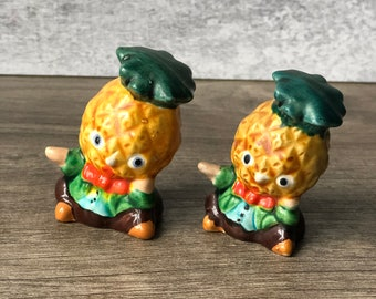 Vintage Retro Anthropomorphic Creepy Pineapple Salt & Pepper Shakers Mid Century Kitsch
