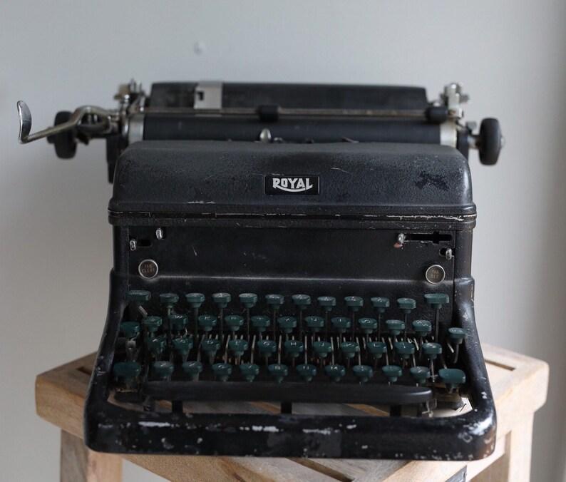 Vintage 1940s Royal Typewriter  For Decorative Use image 0