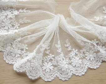 """Off white Venetian lace,floral design,scalloped edge,Cotton lace trimmings,10cm 3.9"""",for bridal dress,lyrical dance,prom gown x1yrd LXGB68"""