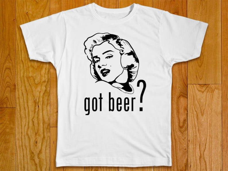 e1e4333bcbfadf Marilyn Monroe lustige Tshirt mit mehreren Variationen bekam   Etsy
