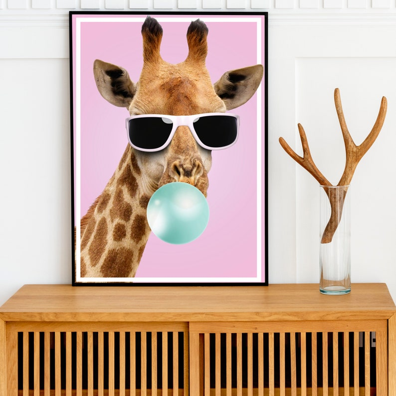 Bubble Gum Giraffe // Dont worry.. relax.. chill out // High image 0