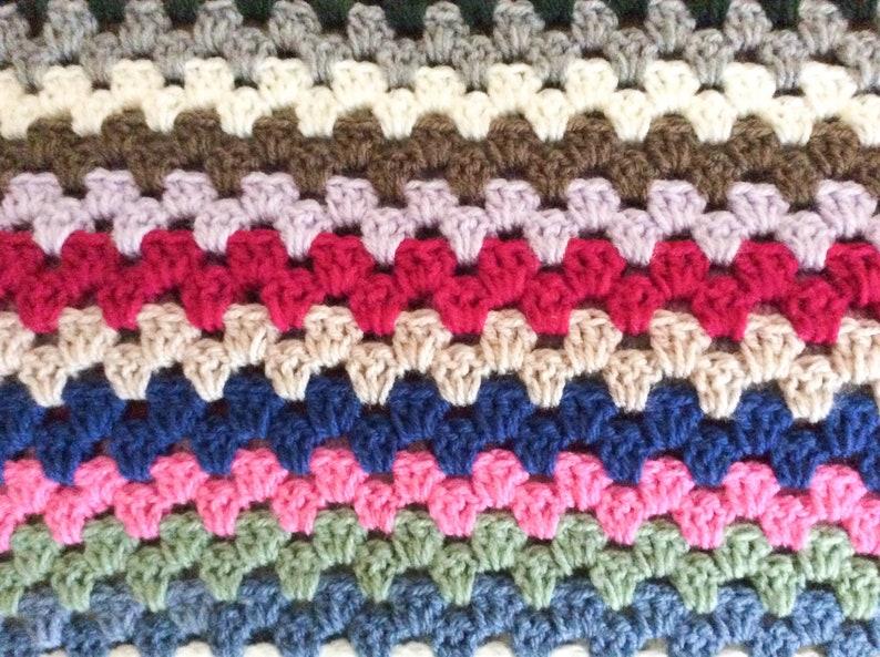 Tasbon Mens All-season Sports Socks Floral Ethnic Style Geometric Blue And Pink Athletic Socks