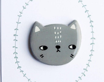 Handmade kitty brooch