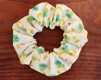 Scrunchie, white scrunchie with flowers, hair accessory, hair tie, fashion accessory, hairstyle accessory, cotton fabric
