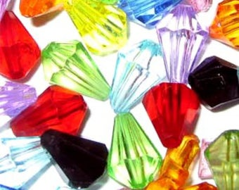 25g Mixed Acrylic Plastic Faceted Teardrop Beads 12x6mm and 15x18m - A5359