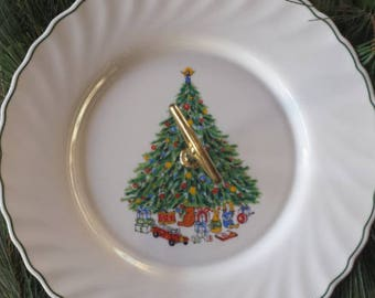 Vintage Noel by House of Salem Christmas Cookie or Fruit Platter with Handle French Made 1980 DC351