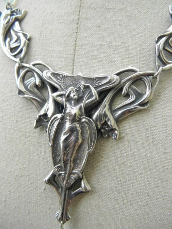 Rare! Exceptional Art Nouveau necklace wide pendan