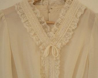 Vintage lace mini dress