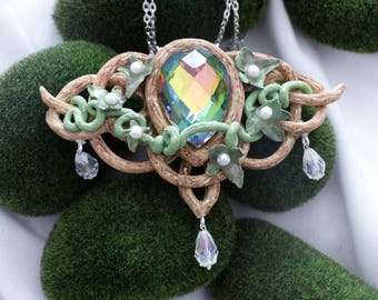 Celtic/elven collection with this necklace of polymer clay and crystals