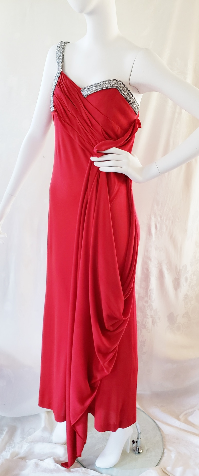Vintage Evening Dresses and Formal Evening Gowns GLITZ n GLAMOUR of Hollywood in a RAVISHING Red Dress 1960s SophisticatedLaRue $128.00 AT vintagedancer.com