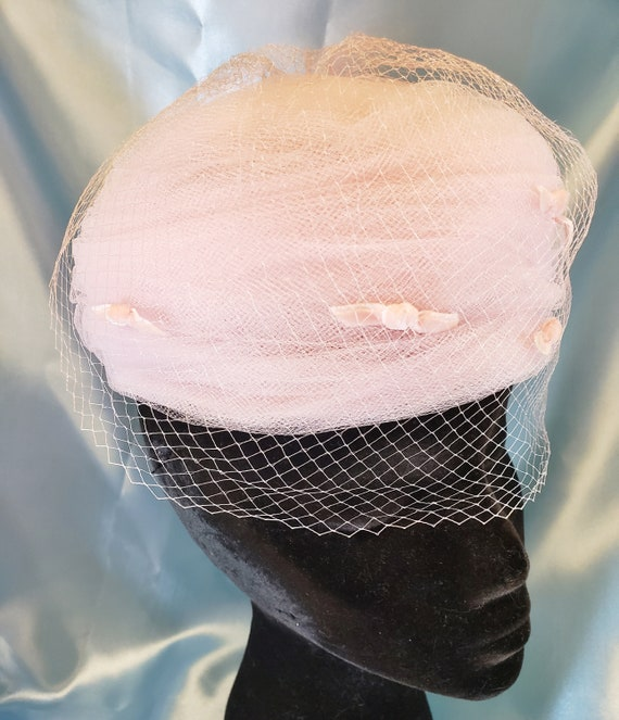 Mad-Men Pretty-in-Pink Pill Box Hat