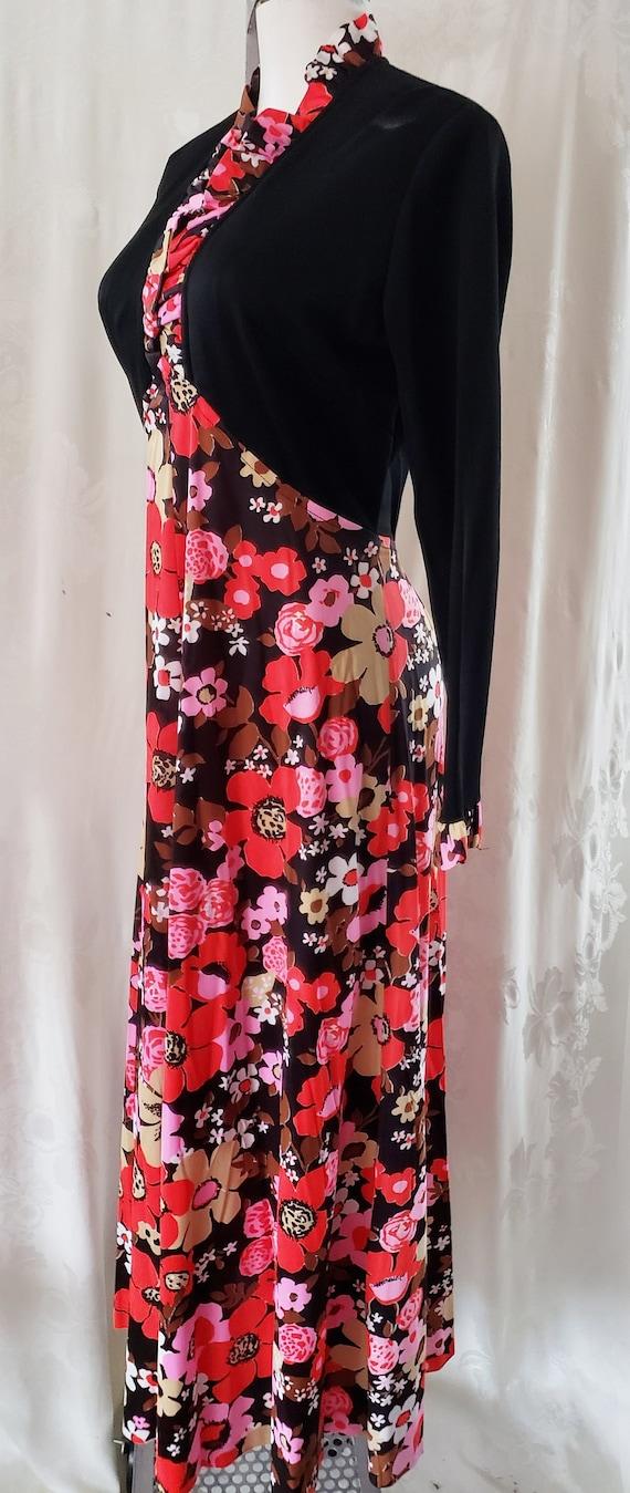 FLOWER-POWER Fabulous 1970's Dress