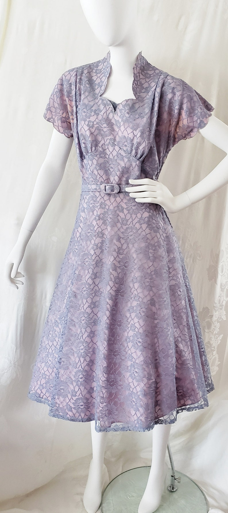 500 Vintage Style Dresses for Sale | Vintage Inspired Dresses 1950s Tea Dress of Lovely Lace SophisticatedLaRue $72.00 AT vintagedancer.com