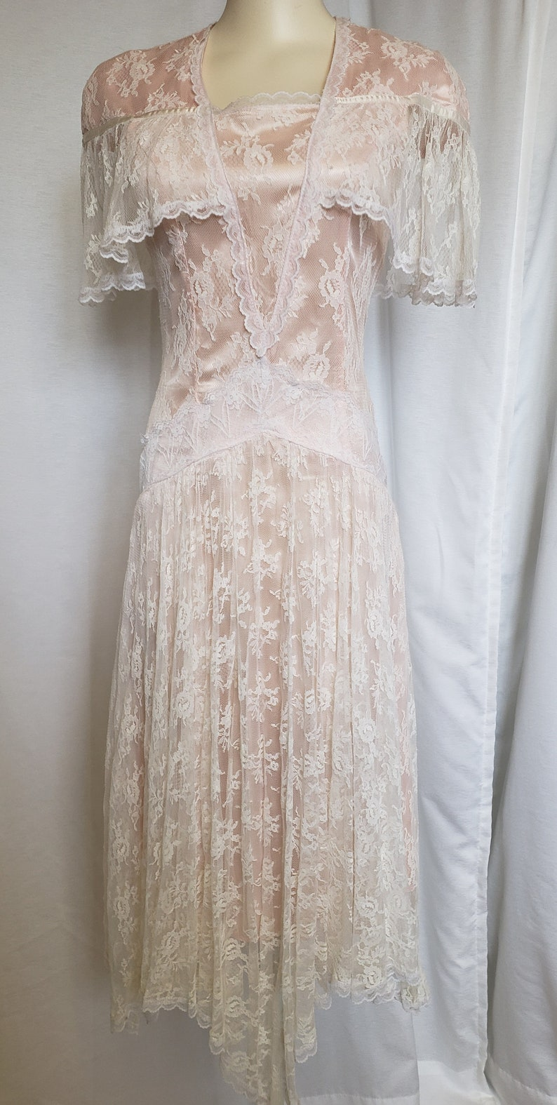 Modest, Mature, Mrs. Vintage Dresses – 20s, 30s, 40s, 50s, 60s Small 1970s Flapper Dress Lace  SophisticatedLaRue $105.00 AT vintagedancer.com