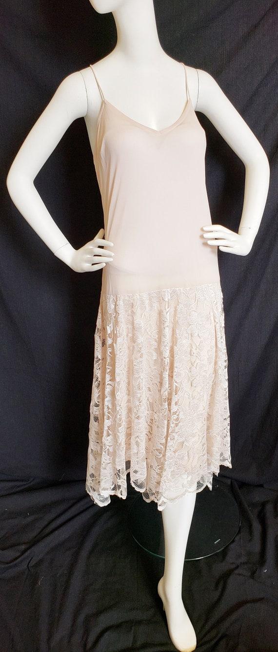 Roaring 20's Lace Flapper Dress - image 10
