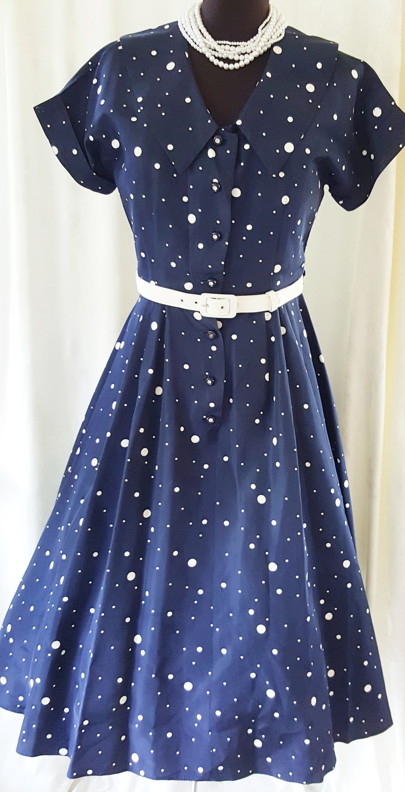 1950s Dresses, 50s Dresses | 1950s Style Dresses BUBBLY HAPPY Polka Dot Classic from the 1950s SophisticatedLaRue $88.00 AT vintagedancer.com