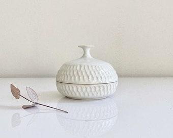 trinket box or salt cellar, lidded jar, ceramic stoneware