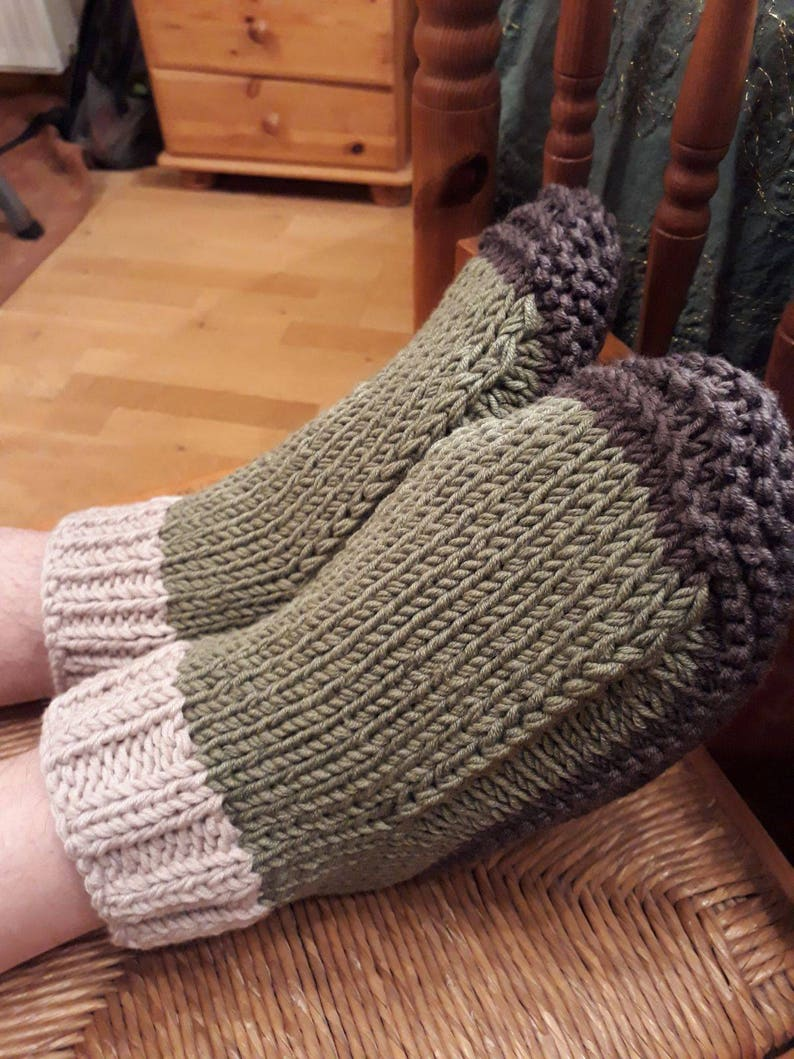 9471436c5428d Men's Slippers Dorm Boots Bed Socks Size UK size 9 - 10 US 9.5 - 10.5 EU 44  - 45 Hand Knitted 100% Merino Wool Olive Green Mocca Oatmeal