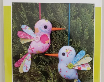 Melly and Me HUM ALONG Hummingbird new craft pattern #MM136