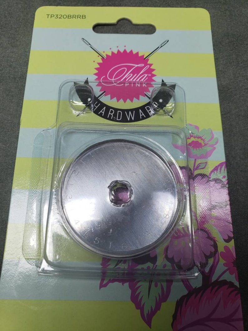 Tula Pink Hardware Rotary Cutter 45mm new in box