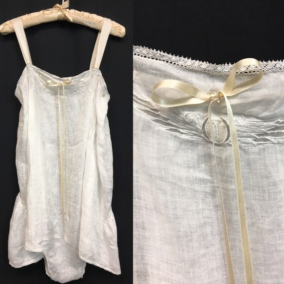 1920s XXL Egyptian Revival White Lace / Cotton Che