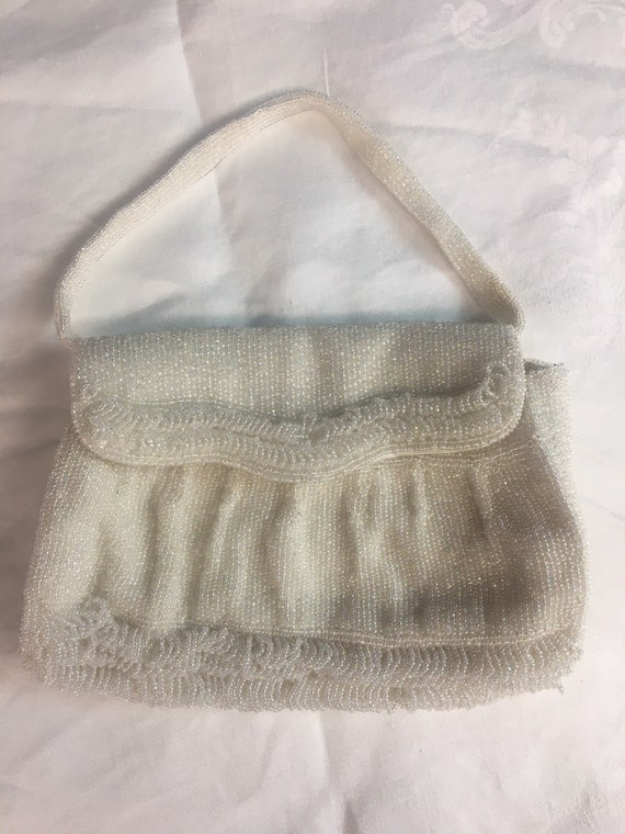 1950s Small white satin evening handbag beaded wi… - image 3